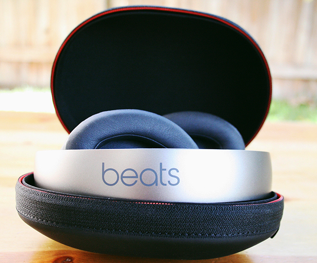 beats headphones in box