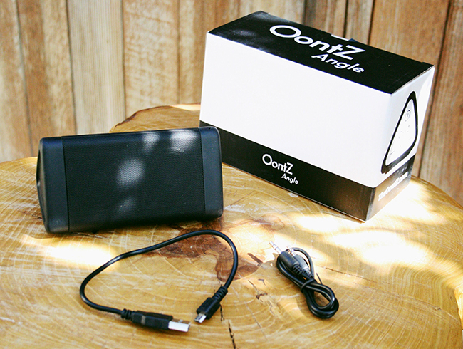 Cambridge Soundworks Oontz 3 unboxed